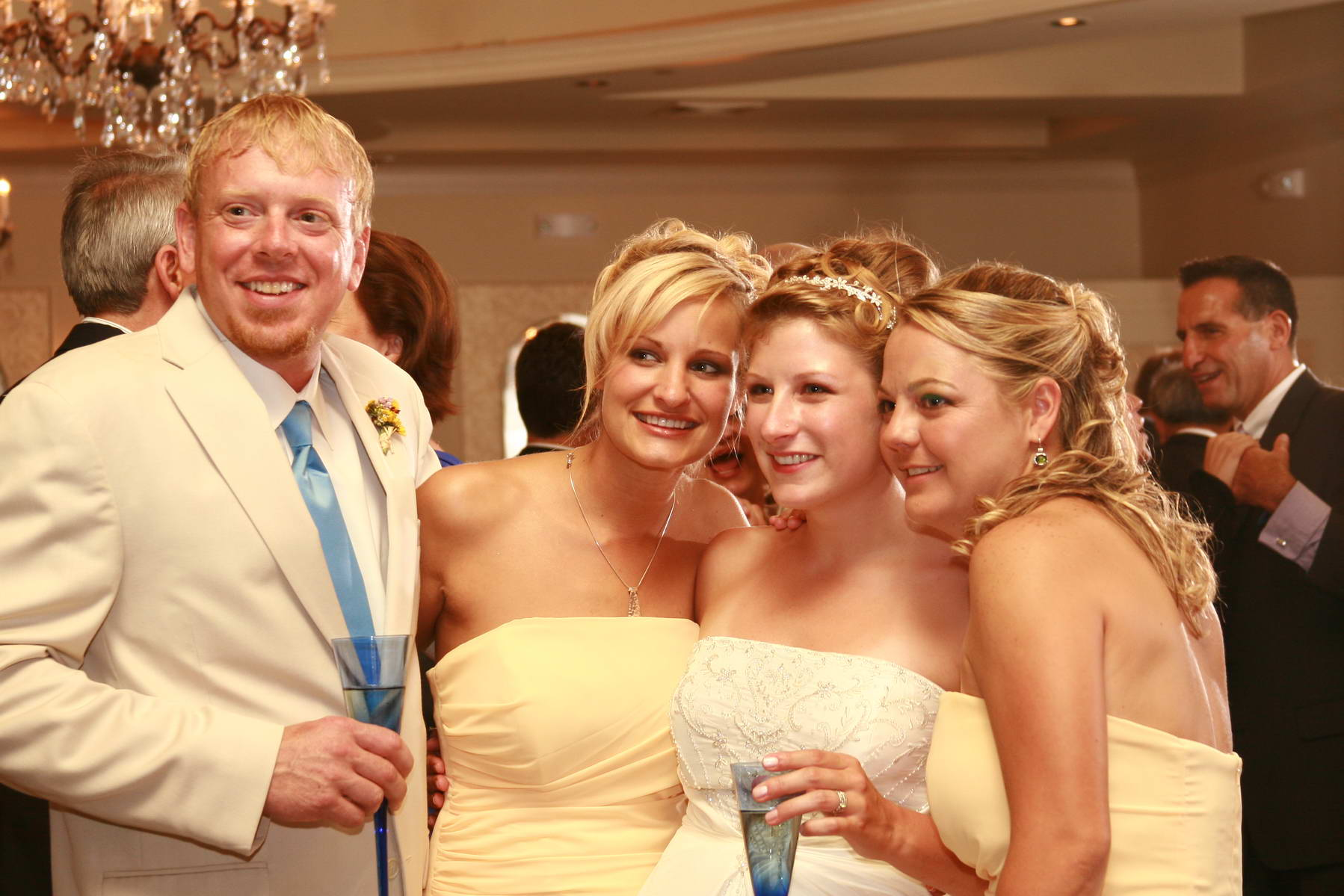 Grand Colonial,Groom and Bridesmaids