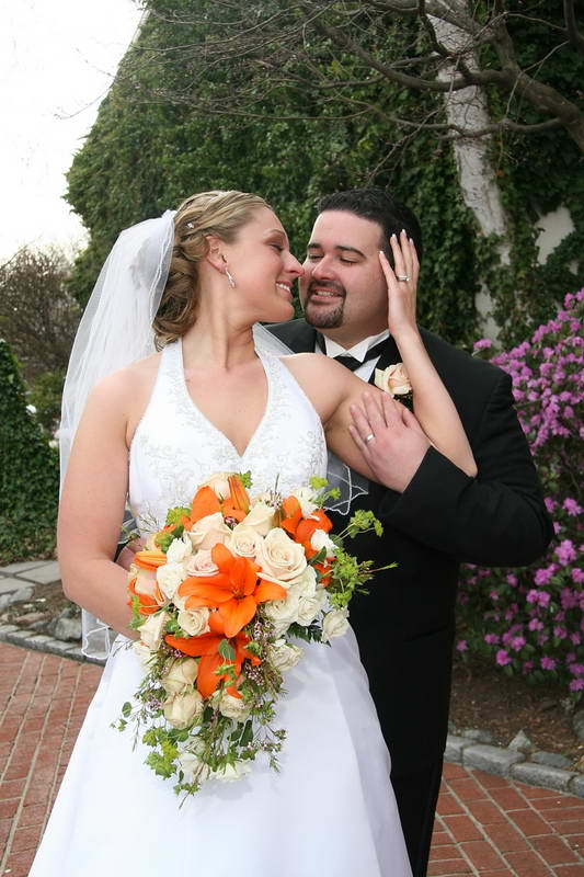 The Kiss,Wedding Image