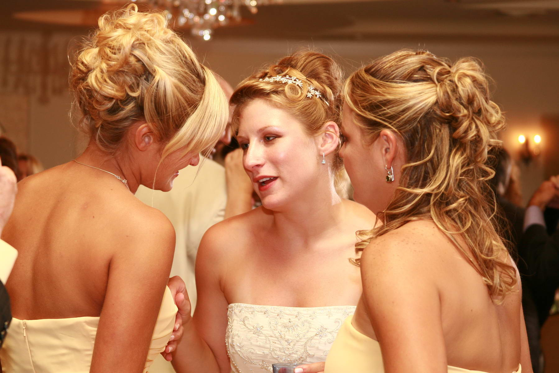 Grand Colonial,Gossiping Bridesmaids