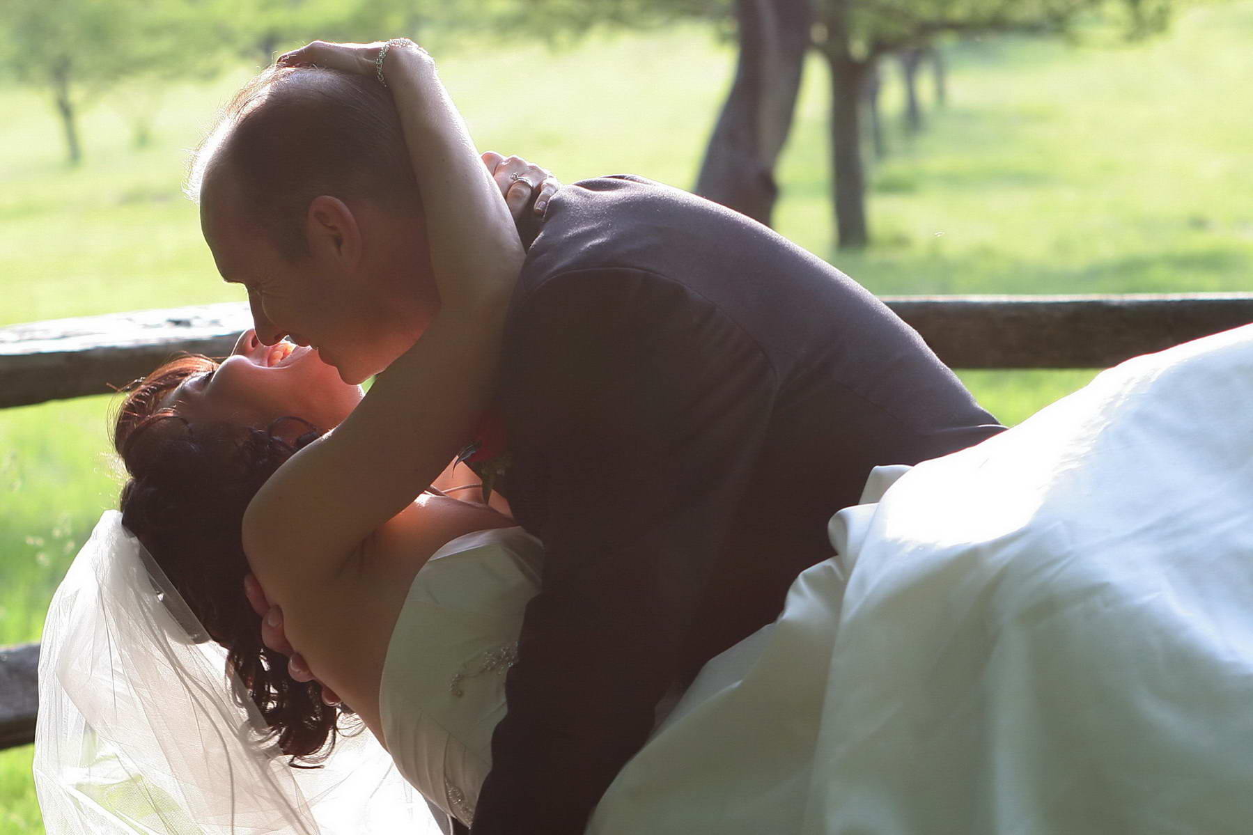 Basking Ridge Country Club, Affectionate Newlyweds